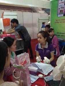 Tưng bừng hội chợ triển lãm Tôn vinh hàng Việt 2016