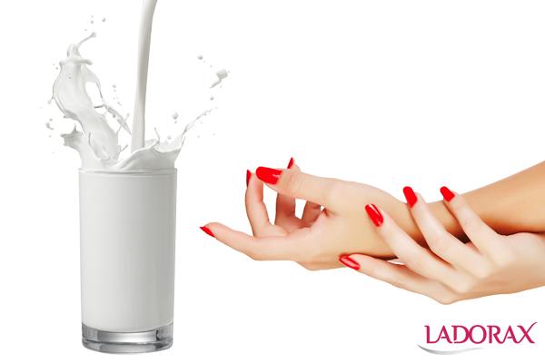 cách làm trắng da tay bằng sữa tươi