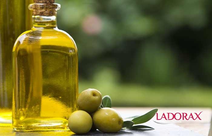 Cách trị mụn bọc nhanh bằng dầu oliu