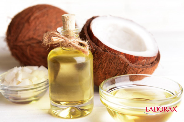 cách làm mặt nạ trắng da từ dầu dừa